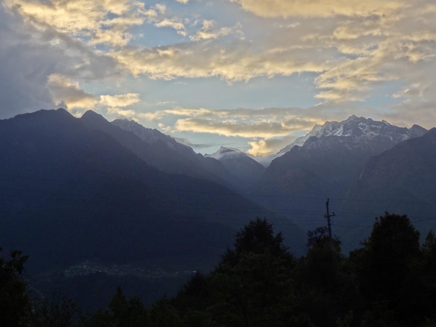 Szent hegyek, szent emberek